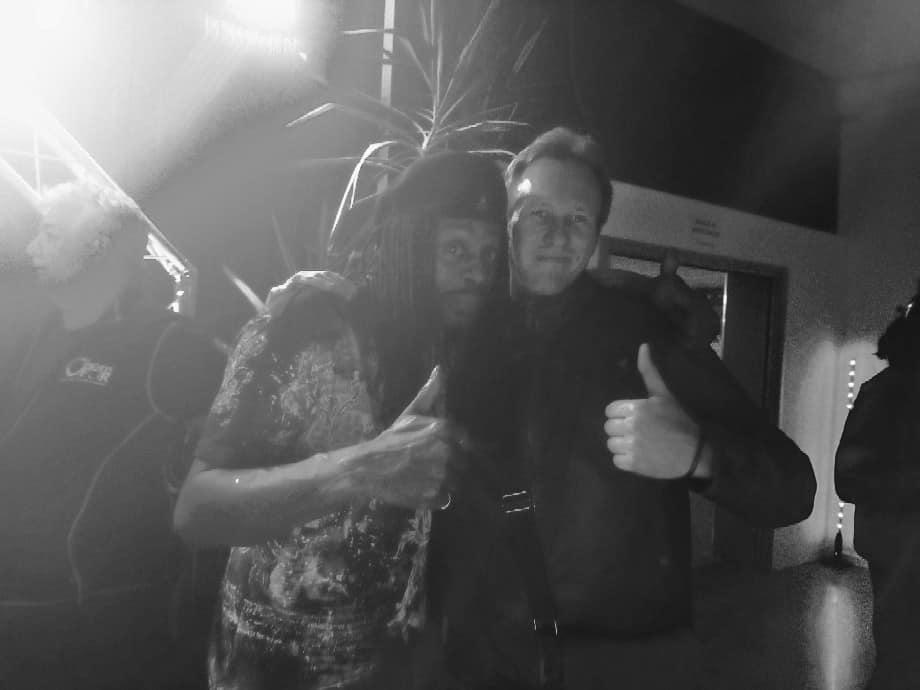 Seb avec le bluesman Bernard Allison